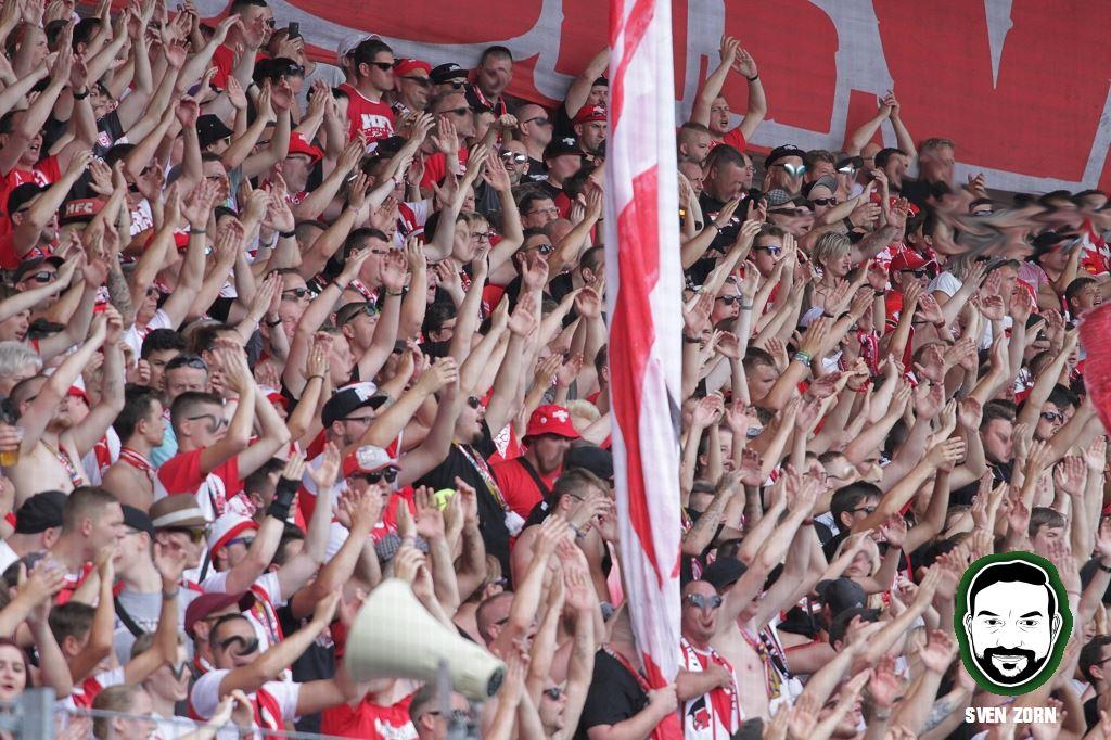 Rückkehr der Fans in Stadion